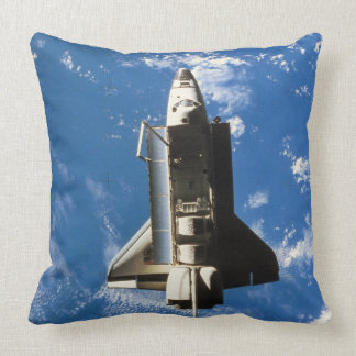 Space Shuttle Orbiting Earth 2 Throw Pillow