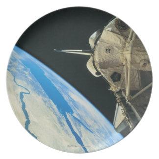Space Shuttle Orbiting Earth 4 Dinner Plates