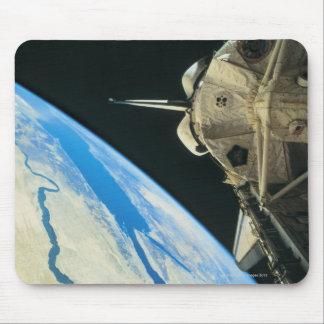 Space Shuttle Orbiting Earth 4 Mousepads