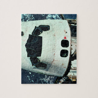 Space Shuttle Orbiting Earth Puzzle