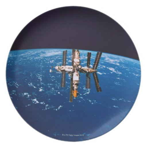 Space Station in Orbit 5 Party Plate
