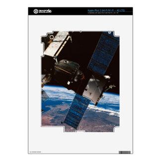 Space Station Orbiting Earth 6 iPad 3 Skin