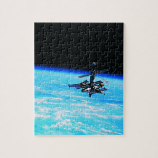 Space Station Orbiting Earth 7 Jigsaw Puzzle