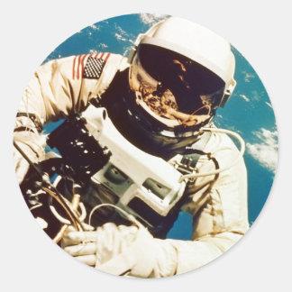 Spacewalk del astronauta pegatina redonda
