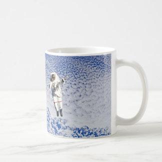 Spacewalk del astronauta taza
