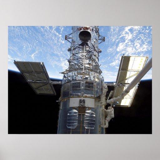 Spacewalk y telescopio de Hubble (STS-109) Póster