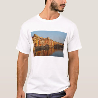 Spain. Catalonia. Gerona. Houses on the Onyar T-Shirt