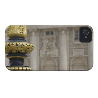 Spain, Madrid. Royal Palace, ornate gilded lamp iPhone 4 Cover