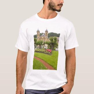 Spain, San Sebastian. Popular seaside resort, T-Shirt