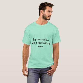 spanih cuckold T-Shirt