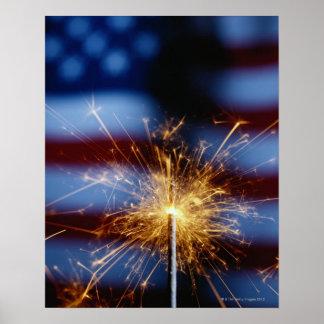 Sparkler con la bandera americana póster