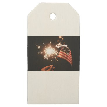 giftsnerd Sparkler & Flag Wooden Gift Tags