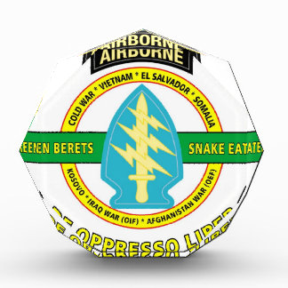 SPECIAL FORCES AIRBORNE PRODUCTS ACRYLIC AWARD