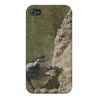 Specialist climbs down covers for iPhone 4