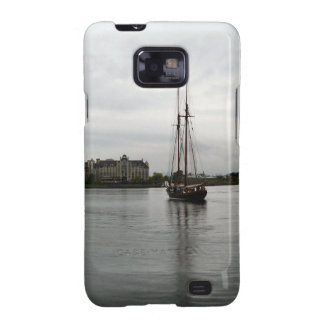 Spectacular sunset lights up the water and sky. galaxy SII cover