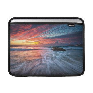 Spectacular Sunset | Stone Beach, El MacBook Air Sleeves