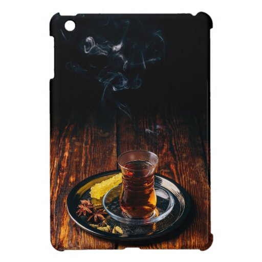 Spiced tea in armudu with navat case for the iPad mini