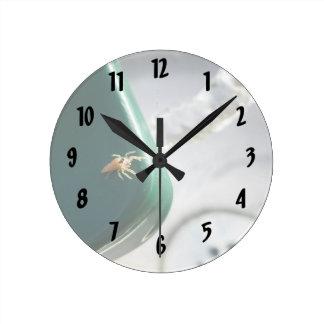Spider on water foutain round wallclocks