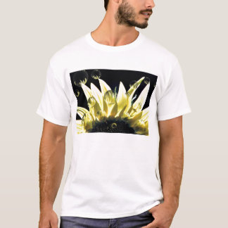 Spider Through the Looking Petal 1c T-Shirt