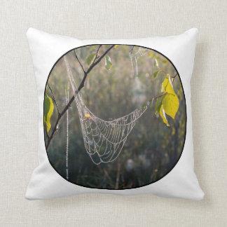 Spiderwebs colgantes cojin