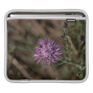 Spiky Clover; No Text iPad Sleeves