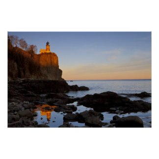 Split Rock Lighthouse at sunset near Two Poster