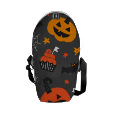 Spooky Ghosts and pumpkins Courier Bag