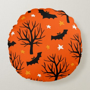 Halloween Themed Spooky Halloween Tree with Bats and Stars Round Pillow