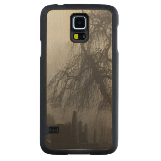 Spooky Old Cemetery On A Foggy Day Carved® Maple Galaxy S5 Case