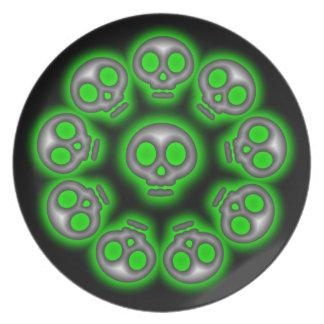 Spooky Silver Alien Skulls 3 plate