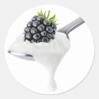 Spoon of blackberry yogurt classic round sticker