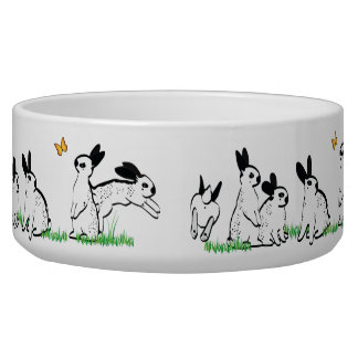 SPOTS IN THE GRASS PET BOWL