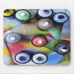 Spraycans colorido tapete de ratones