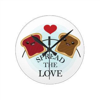 SPREAD THE LOVE ROUND CLOCK