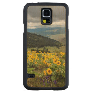 Spring Wildflowers In The Hills Carved Maple Galaxy S5 Case