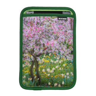 Springtime in Claude Monet's garden iPad Mini Sleeve