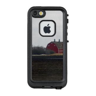 Springtime Red Barn LifeProof FRĒ iPhone SE/5/5s Case