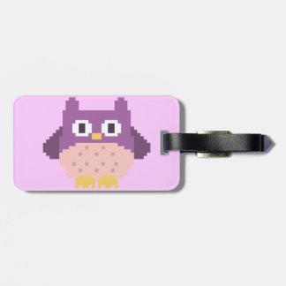 Sprite de 8 bits del búho del pixel etiquetas maleta