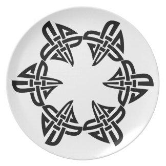 Spun Celtic Square Knot Melamine Plate