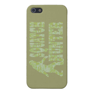 Squatch hunter on camouflage case for iPhone SE/5/5s