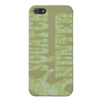 Squatch hunter on camouflage iPhone SE/5/5s cover
