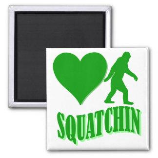 Squatchin del corazón I Imán Cuadrado