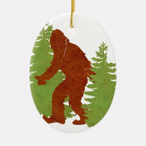 Squatchin ido adorno navideño ovalado de cerámica