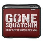 Squatchin ido (apenado) Squatch en estas maderas Fundas Para iPads