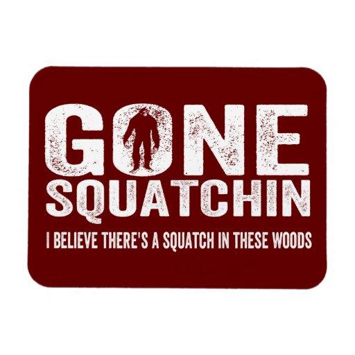 Squatchin ido (apenado) Squatch en estas maderas Imanes Rectangulares