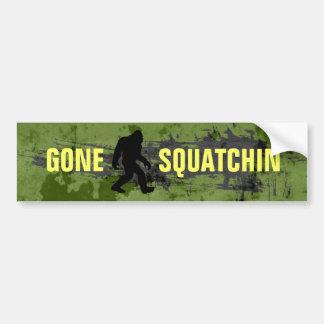 Squatchin ido etiqueta de parachoque