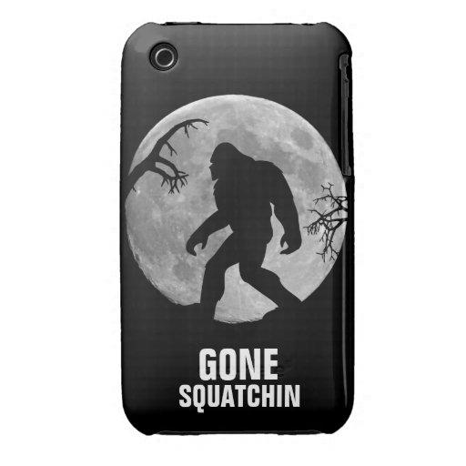 Squatchin ido con la luna y la silueta Case-Mate iPhone 3 protectores