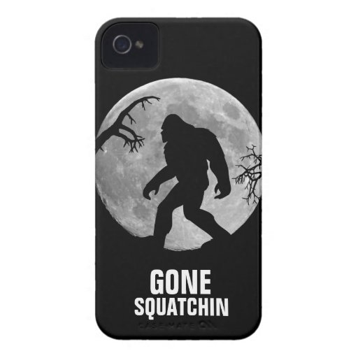 Squatchin ido con la luna y la silueta iPhone 4 Case-Mate protector