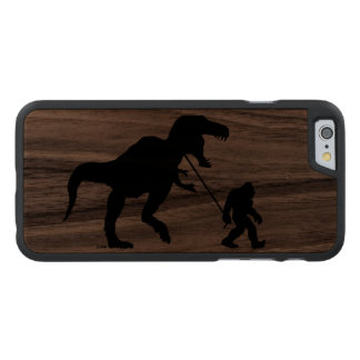 Squatchin ido con T-rex Funda De iPhone 6 Carved® De Nogal