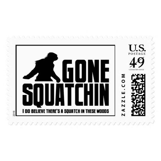 Squatchin ido - creyente divertido de Bigfoot Franqueo